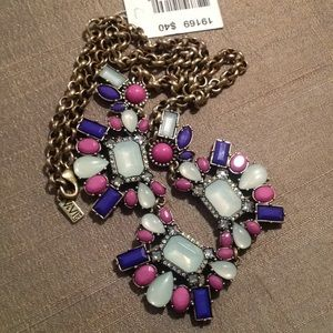 ViVI Jewelry - NWT Vivi jewel necklace
